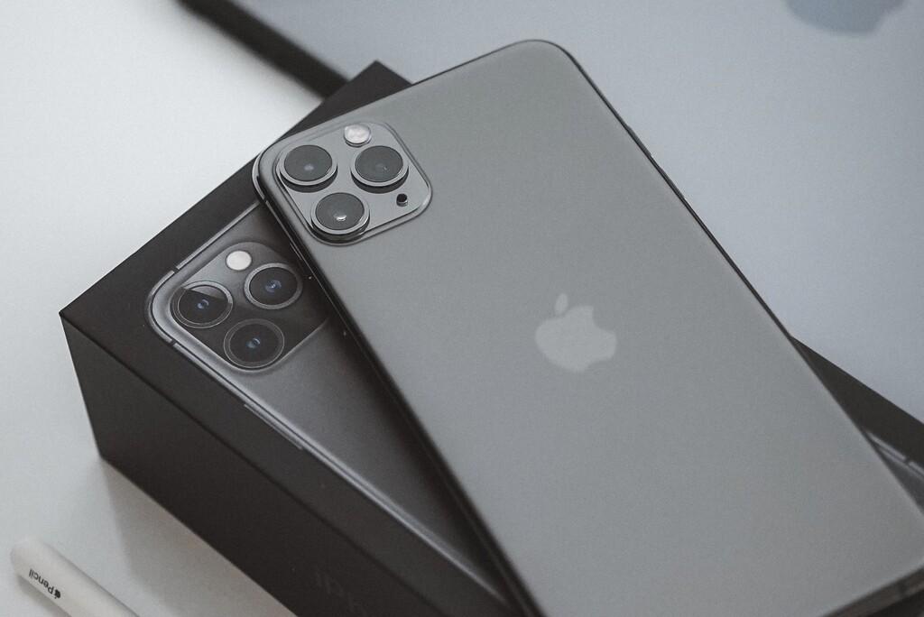 Me rindo: los iPhone pequeños son muy cómodos, pero vuestro uso pide alguna gran monitor
