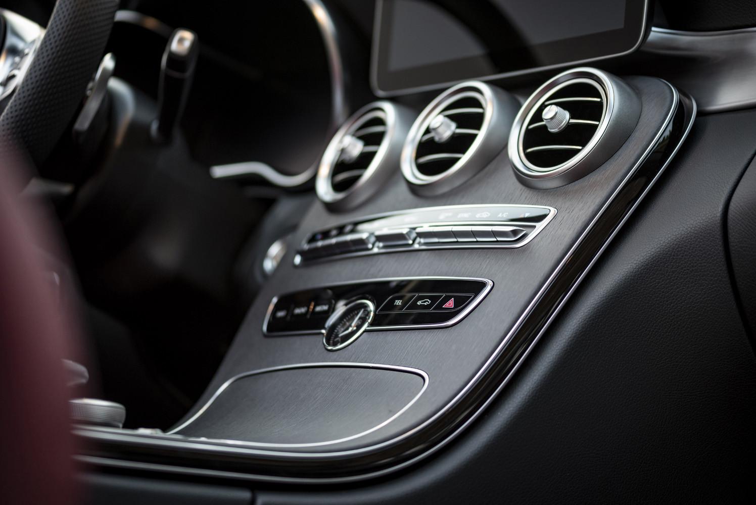 Foto de Mercedes-Benz Clase C 2018, toma de contacto (81/255)