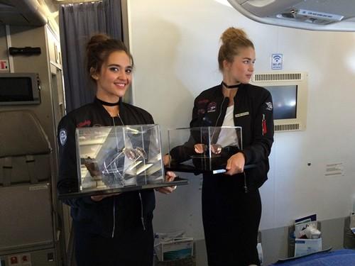 ¿El mejor lugar para presentar las nuevas Hawkers ACE? Un avión a 10.000 metros de altura