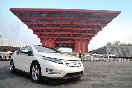 China recula en requerir su tecnología a los fabricantes de coches eléctricos
