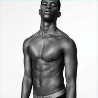 Más abdominales y pectorales en la campaña underwear de este invierno de Calvin Klein