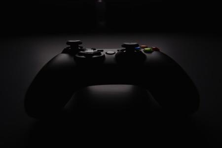 Tener o no tener juegos exclusivos en la PS5 y las Xbox Series X, esa es la cuestión (o quizás no)