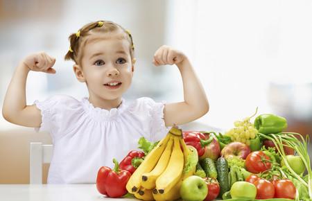 Las frutas en la alimentación infantil: el plátano, la piña, el kiwi y otras frutas tropicales