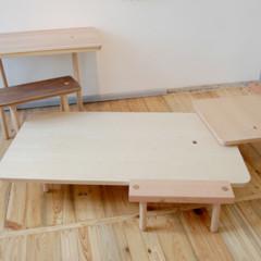 Foto 5 de 7 de la galería mesas-y-taburetes-que-se-guardan-colgados-en-la-pared en Decoesfera