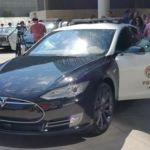 La policía de Los Ángeles se compromete a introducir casi 300 coches eléctricos a su flota