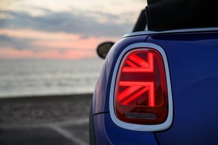 Mini Cooper Convertible 2019 15