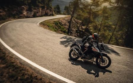 Las KTM 490 Adventure, Duke y RC llegarán como pronto en 2022 y se fabricarán en La India