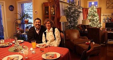 Cómo vestir una mesa de Nochevieja desparejada y que parezca el baile del embajador