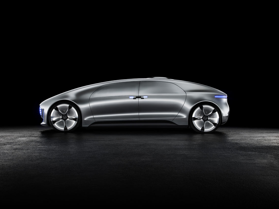 Mercedes benz f 015 luxury in motion 1 57 for Mercedes benz f