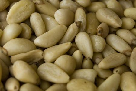 Piñones: propiedades, beneficios y su uso en la cocina