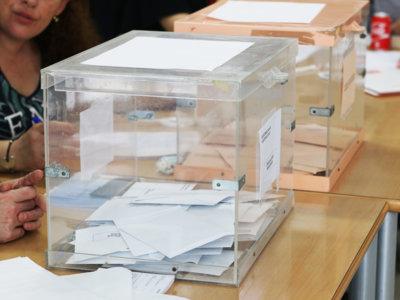 Las agencias de rating amargan la fiesta de la democracia española