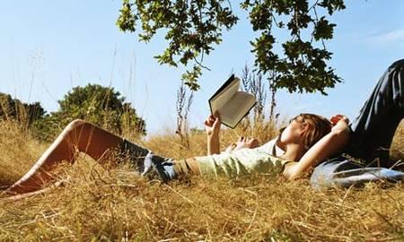 Seis lecturas recomendadas para padres (aprovechando las vacaciones)