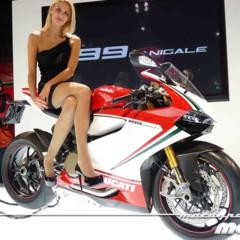 Foto 2 de 14 de la galería disenando-la-ducati-1199-panigale-en-vivo-en-el-eicma en Motorpasion Moto