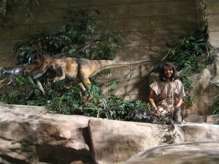 Los dinosaurios y los humanos coexistieron. El Museo de la Creación, Kentucky