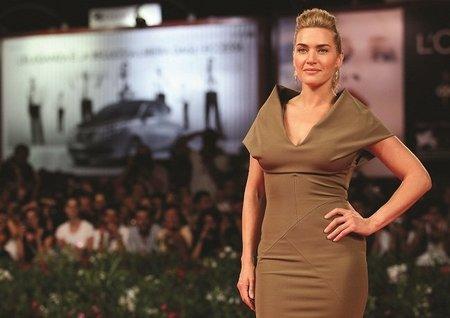 Kate Winslet en Venecia igual que una buena comida a la que le falta pan