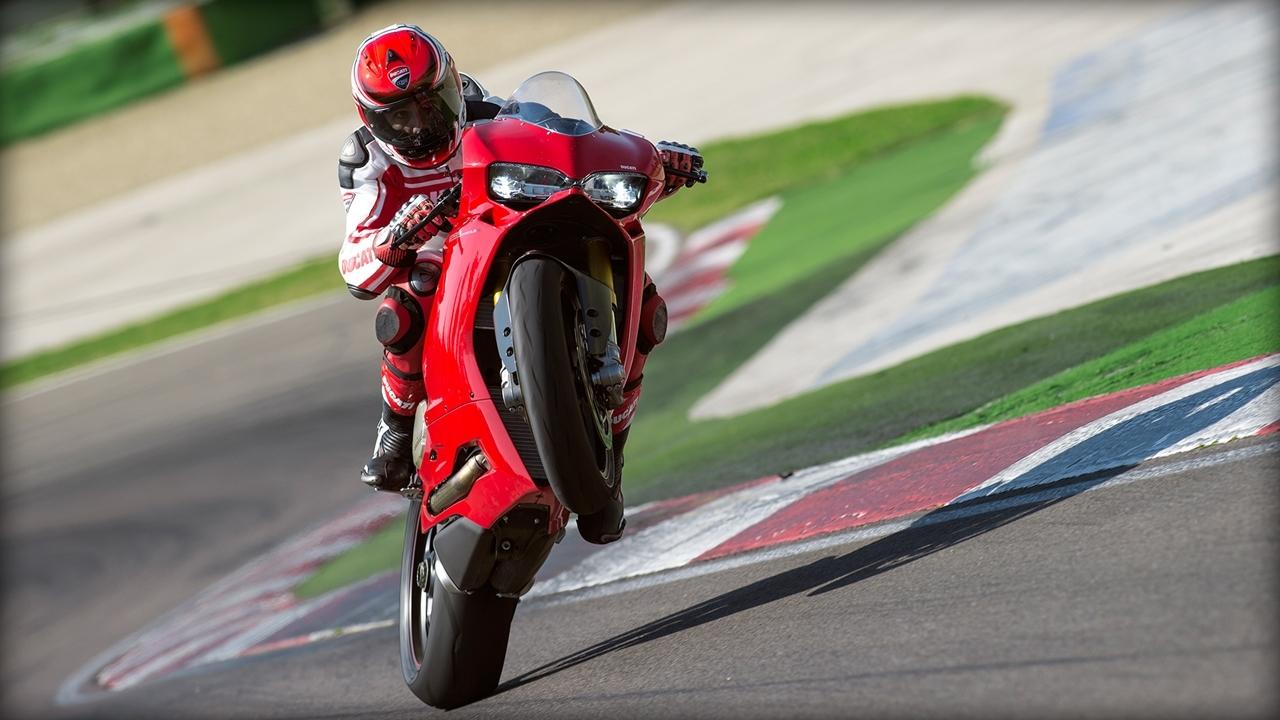 Foto de Ducati 1299 Panigale (2/17)