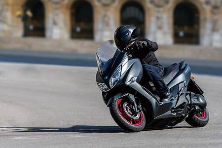 Suzuki Burgman 400 2018 2