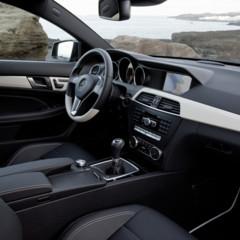 Foto 32 de 41 de la galería mercedes-benz-clase-c-coupe-2011 en Motorpasión
