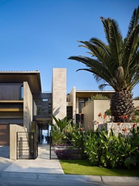 Una tradicional casa mexicana que enlaza un agradable diseño interior con el sonido del mar