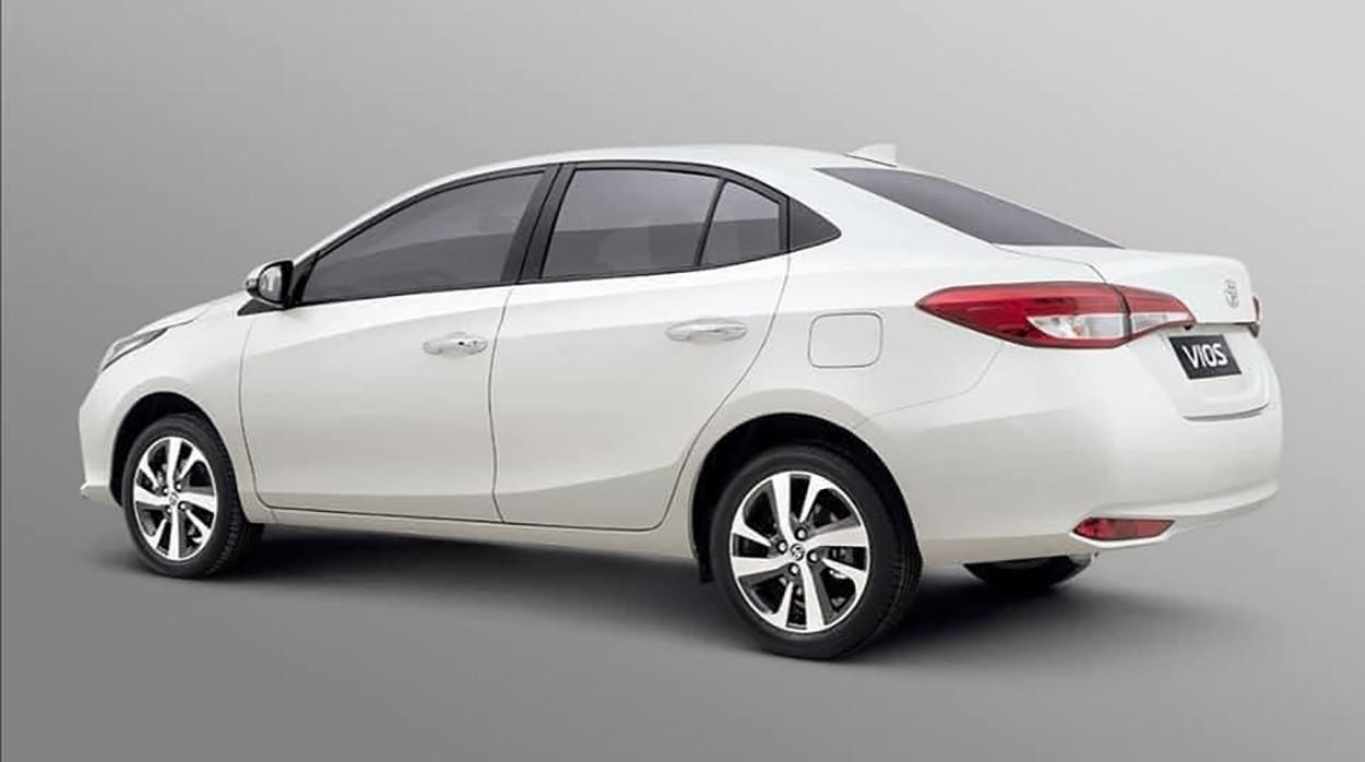Toyota Yaris Sedán 2021