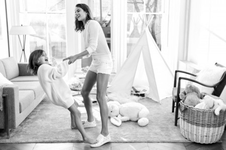 Alessandra Ambrosio Michael Kors Mothers Day 2016 Campaign02