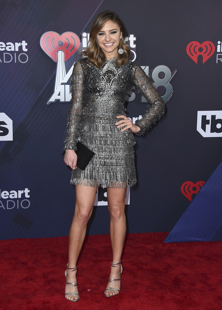 alfombra roja iheartradio music awards red carpet Christine Evangelista