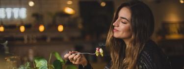 Te contamos por qué saltarse la dieta una vez a la semana puede ayudar a adelgazar