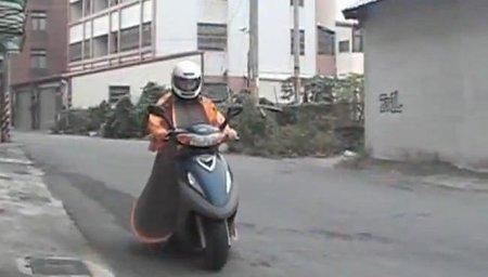 Tienda-traje para moto, el complemento definitivo