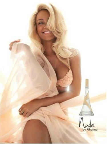 Rihanna está guapa no, lo siguiente, promocionando su nueva fragancia