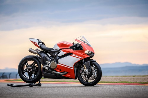 Coge aire, aquí está la Ducati 1299 Superleggera: 215 cv, 150 kg y 92.000 euros