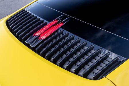Porsche 911 992 tapa motor