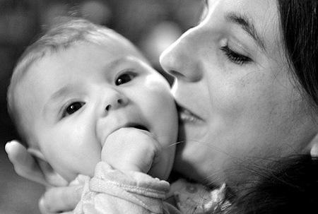 Algunas madres sufren trastorno obsesivo compulsivo tras el parto