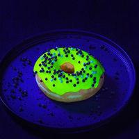 Comida de EsCultura: las donas que brillan en la oscuridad son la nueva sensación en Instagram