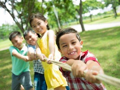 """Los niños tienen menos problemas escolares en colegios """"verdes"""""""