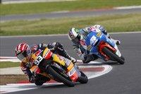 MotoGP Gran Bretaña 2010: Marc Márquez vence en una encarnizada lucha con Pol Espargaró en 125