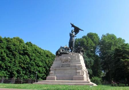 Monumento Montagnola Bolonia