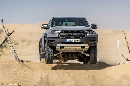 Probamos la Ford Ranger Raptor: una salvaje pick-up que puede con todo y está pensada para off-road a gran velocidad