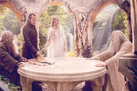 Ian McKellen, Hugo Weaving, Cate Blanchett y Christopher Lee en una escena de El Hobbit