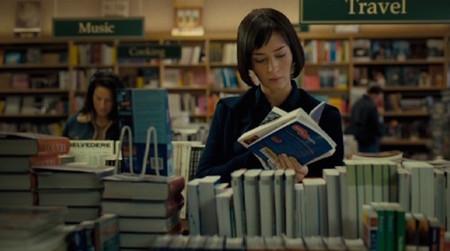 Las nueve fases por las que pasamos las amantes de los libros cuando uno nos engancha sin piedad