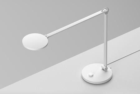 Xiaomi quiere conquistar tu escritorio con esta lámpara flexo de diseño, económica, de tipo LED y conectada