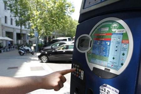 El Ayuntamiento de Madrid penaliza a los vehículos de carsharing con sus tarifas de aparcamiento regulado