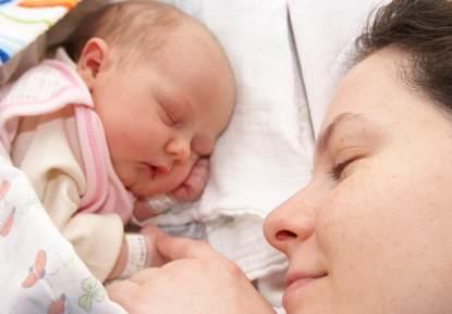 Programa Primeros Días para ayudar a la madre en el puerperio
