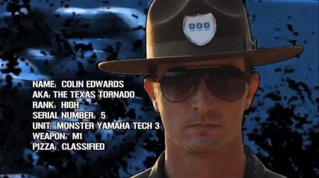 El sargento Colin Edwards para formar a los agentes del YES