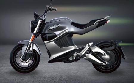 La Miku Super 125E es una pequeña moto eléctrica con 135 km de autonomía y apta para el plan MOVES II, por 3.499 euros