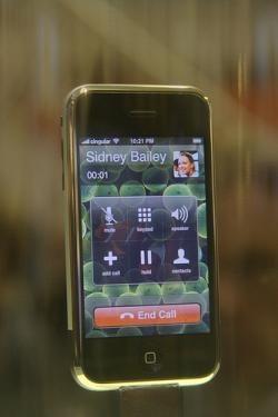 """AT&T advierte a sus empleados: """"No permitiremos reservas de iPhones"""""""