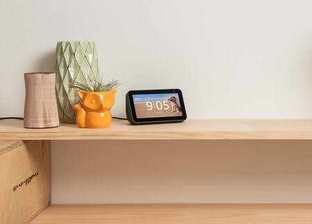 """La pantalla """"inteligente"""" con Alexa y webcam Echo Show 5 tiene un descuento de 40 euros en Amazon y MediaMarkt"""