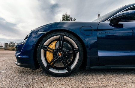 Porsche Taycan Turbo S llantas