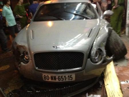 Dolorpasión™: Un Bentley Continental Supersports tiene problemas con Charley