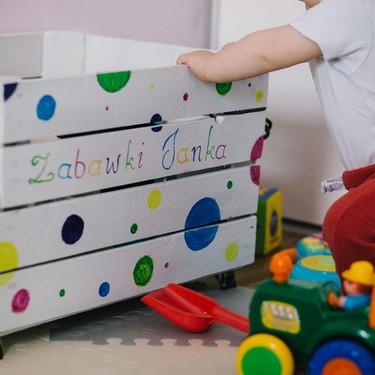 Cómo ordenar los juguetes de los niños para evitar la acumulación excesiva