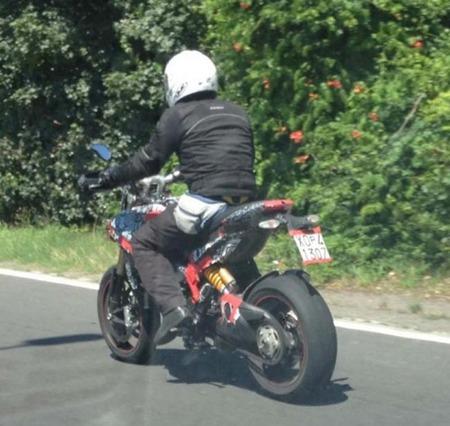 Ducati Hypermotard 848, foto espía